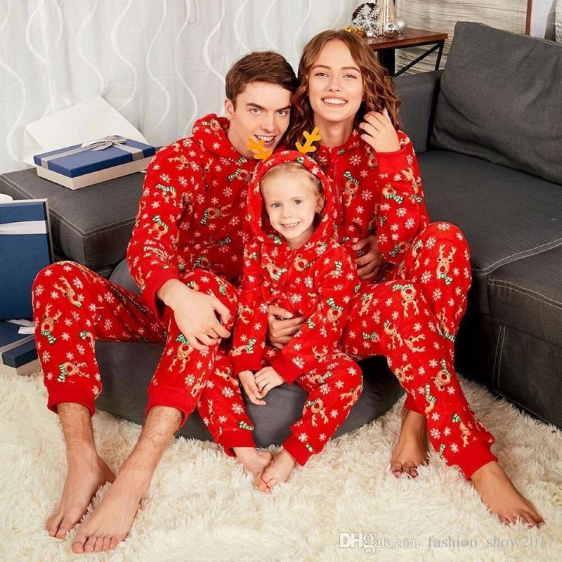5210ffbe133eb Acheter Famille Correspondance Homewear Elk Tête De Flocon De Neige  Impression De Noël Combinaison Pyjamas Ensemble Enfant Maman Papa Parent  Enfant Body ...