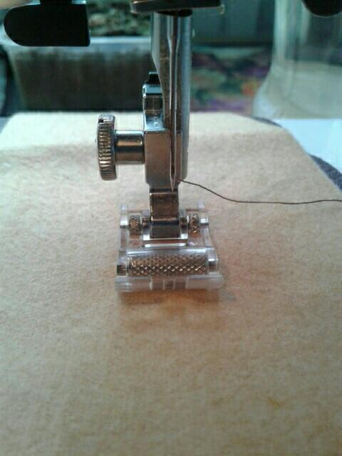 Household Multi-Function Sewing Machine Roller Presser Foot For Sewing Leather/Waterproof Fabric Specially,Very Useful Accessory