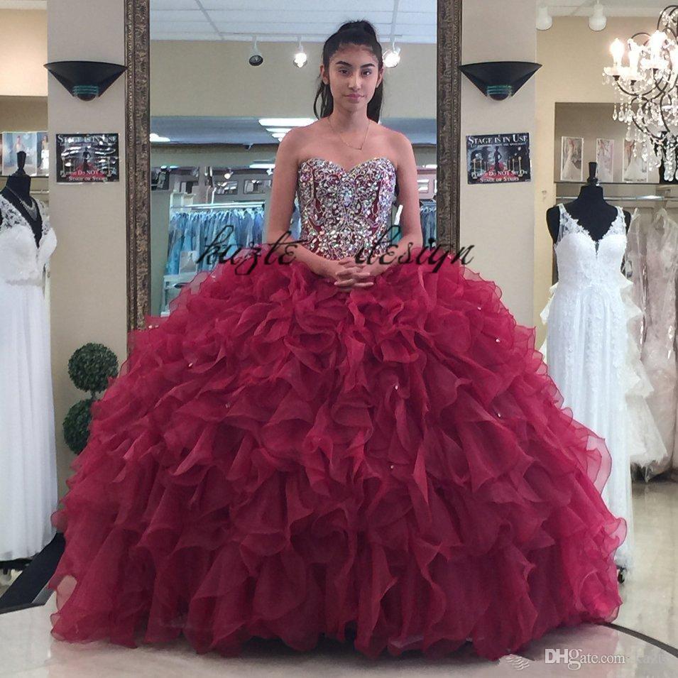 a388e1df5 Compre 2018 Burdeos Con Cuentas Vestido De Fiesta Vestidos De Quinceañera  Escote Palabra De Honor Appliques Vestidos De Baile Cristales Con Cordones  Volver ...