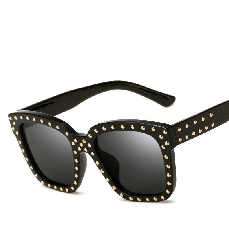 Compre 2018 Gafas De Sol Para Hombre Hombres Diseñador De La Marca Male De  Sol Oculos Mujeres Remache De Gran Tamaño Revestimiento Gafas De Sol Vintage  ... 7328d026a589