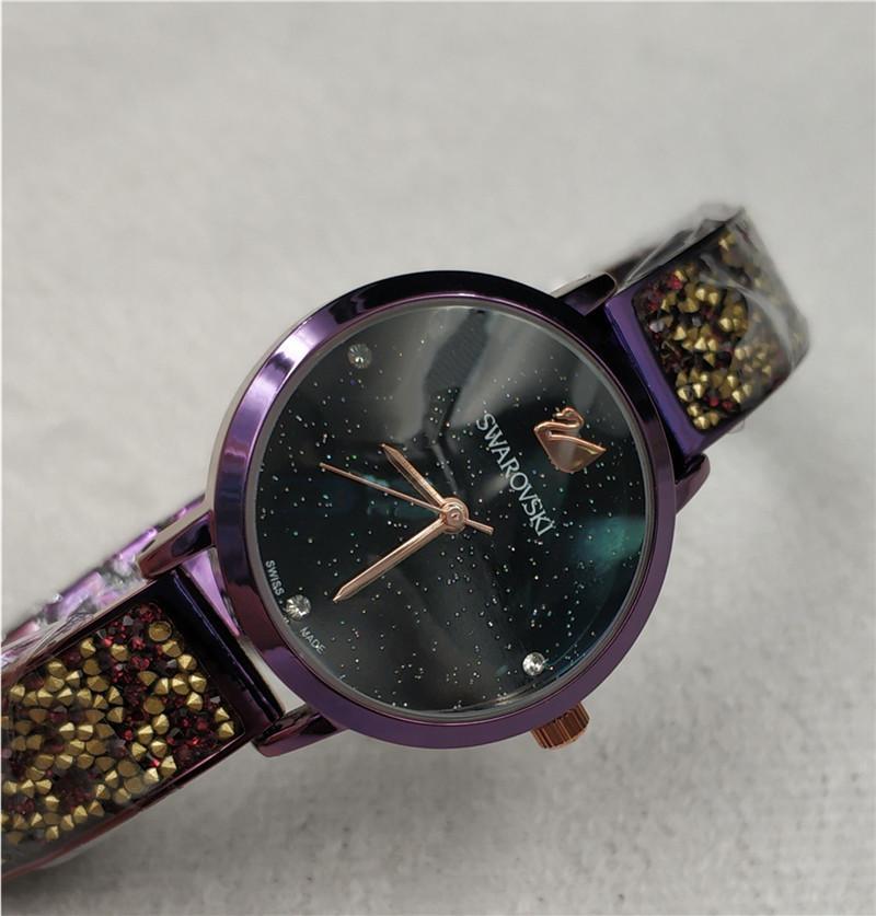 Compre 2019 Nuevo Modelo Moda Para Mujer Marca De Lujo Reloj De Mujer Con  Diamante Diseño Especial Relojes De Marca Mujer Vestido De Señora Reloj De  Cuarzo ... 198d59aa6da3
