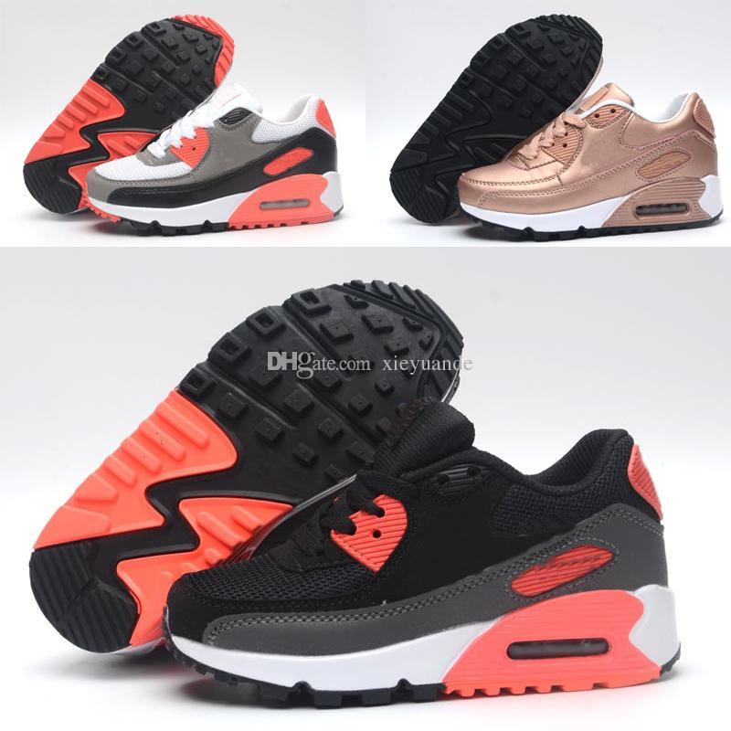 e5b96054726 Compre 2018 Nike Air Max 90 Moda Infantil Respirável Clássico 90 Sapatos De  Couro Com 10 Cores Crianças De Alta Qualidade Sapatos Para Meninos Frete  Grátis ...