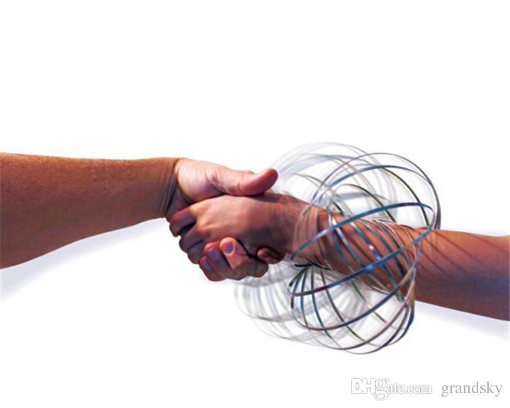 Paslanmaz Çelik Metal Geoflux Toroflux Akış Halkası Dekompresyon Oyuncaklar Holografik Hareketli iken Bir Yüzük Akış Oyuncaklar Akış Bilezik Yaratırken