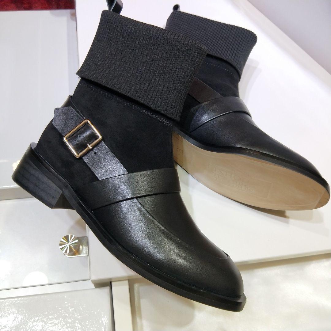 2410da4892fa0 ... Version Automne Et Hiver Bas Haut Martin Bottes Femme Britannique Style  Boucle En Métal Boucles Décoratives Bottes Sauvage Marée Chaussures Pour  Femmes ...