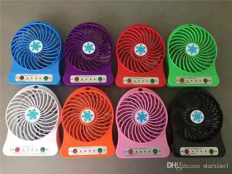 Üst Satmak Şarj Edilebilir LED Işık Fan Hava Soğutucu Mini Masası USB 18650 Pil Şarj Edilebilir Fan PC Dizüstü Bilgisayar için Perakende Paketi Ile