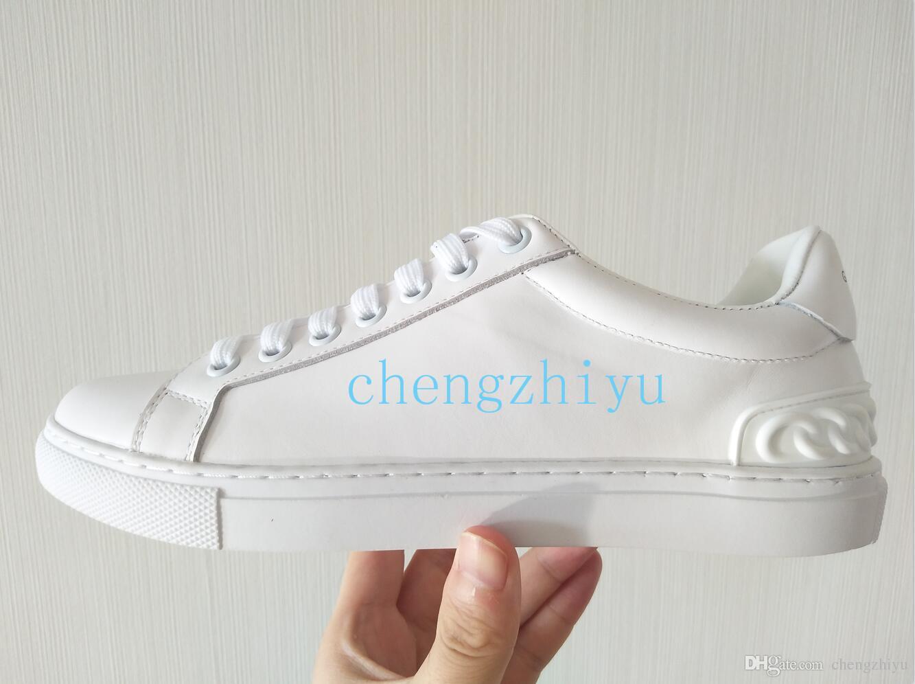 7e672ec4d Compre 2018 Novo Luxo De Couro Sapatos Casuais Mulheres Sapatilhas De Grife Homens  Sapatos De Couro Genuíno Moda De Várias Cores Original Tamanho Da Caixa ...