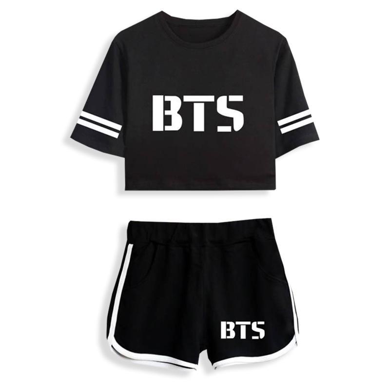 72979b46e5761 Compre 2018 BTS Kpop Summer A Traje Gym Ejercicio Pantalones Cortos Y  Camisetas Imprimir Mujeres Fit Hip Hop Sport Estilo Al Aire Libre Ropa A   21.28 Del ...