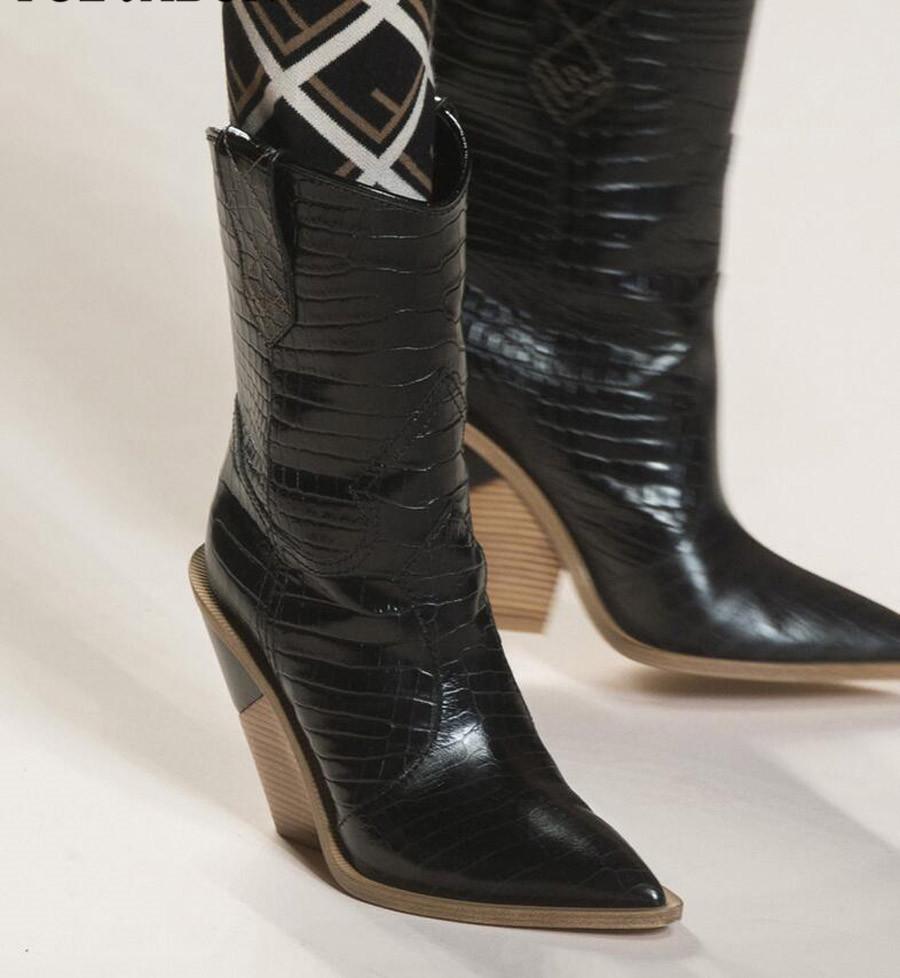 fc4cf71f64 Compre Top Design Botines De Piel De Serpiente Mujer Botas Occidentales Botas  De Vaquero Para Mujeres Pasarela Chunky Wedges Tacón A Media Pierna Zapatos  De ...
