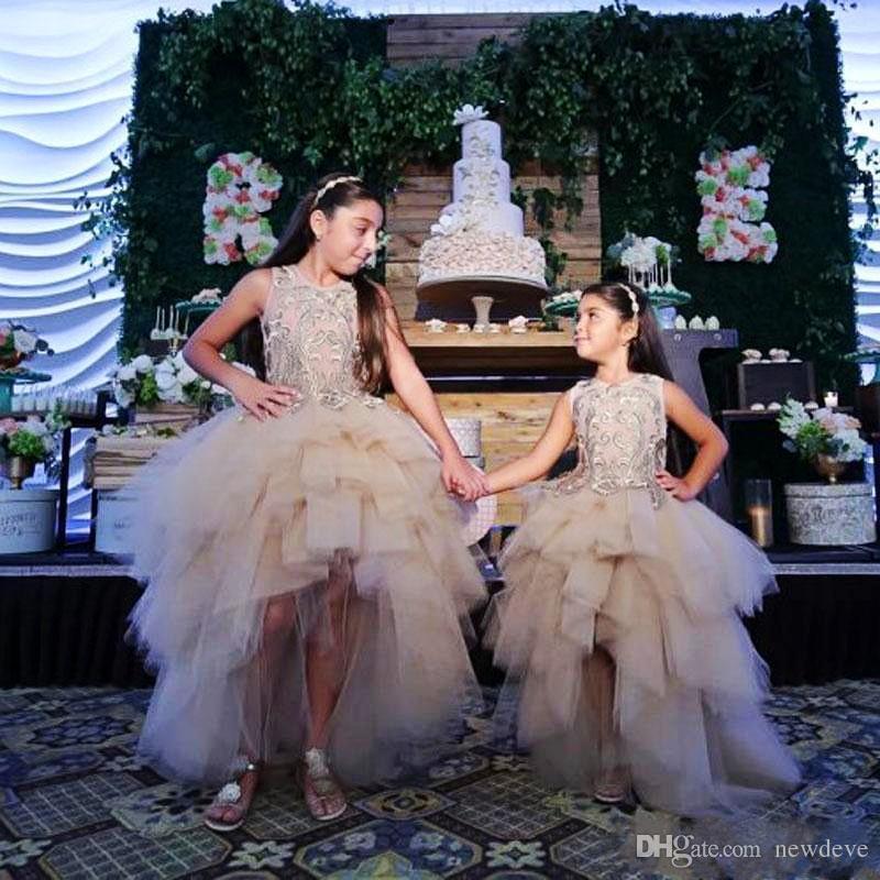 Abiti da ragazza a fiore alto basso matrimoni Abiti da sposa con collo a balze gioiello con applicazioni in pizzo