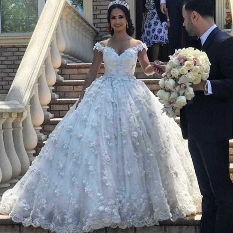 Acquista Abiti Da Sposa Floreale 3D Logn Charme Plus Size Corpetto Lace Up  Ball Gowns Abito Da Sposa Glamorous Off Spalla Lace Appliques Abito Da  Sposa A ... 7c00638da3b