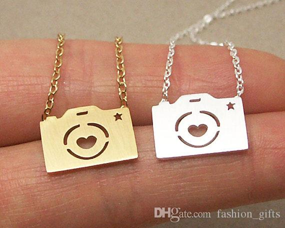 Couple Camera Necklace Hipster Photo Camera with Love Lens Plus Pentagram Necklace Mini Camera with Round Star Pendant Jewelry