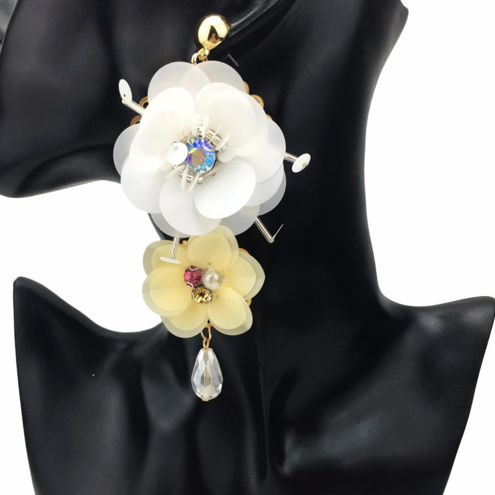 42bba7133c0a Compre Gota Manilai Bohemio Grandes Pendientes De La Declaración De Flor  Para Las Mujeres 2018 Precioso Collar De Lujo Pendientes De La Joyería De  Moda Al ...