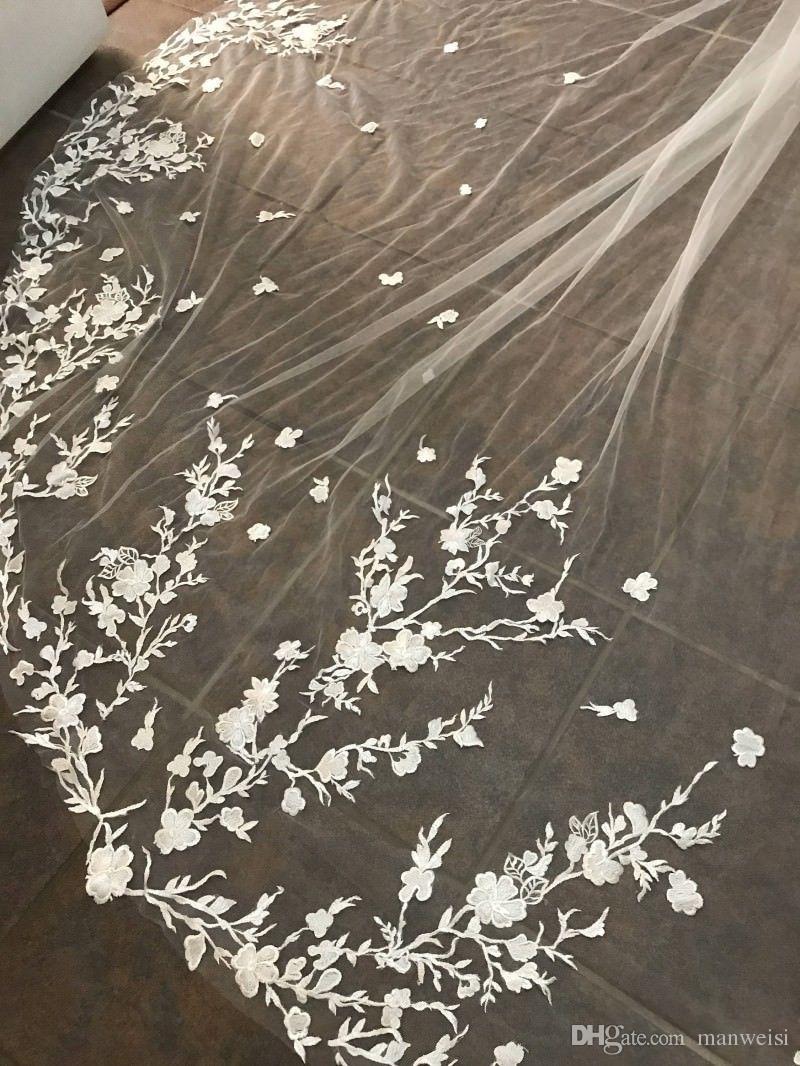 Weiß Elfenbein Kathedrale Länge Top Spitze Appliqued 3m lange Brautbrautschleier mit freiem Kamm 2019