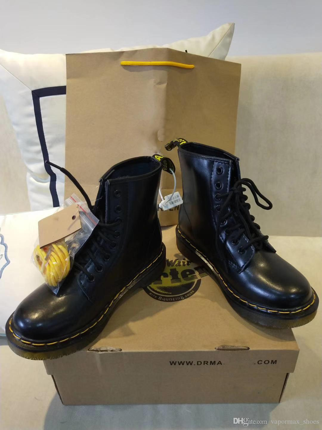 16dc30c76 2019 Designer Martin Genuine Leather Shoes Boots High Top Dr 1460  Motorcycle Style En Women Slim Fit Shoes Lover Snow Boots From  Vapormax shoes