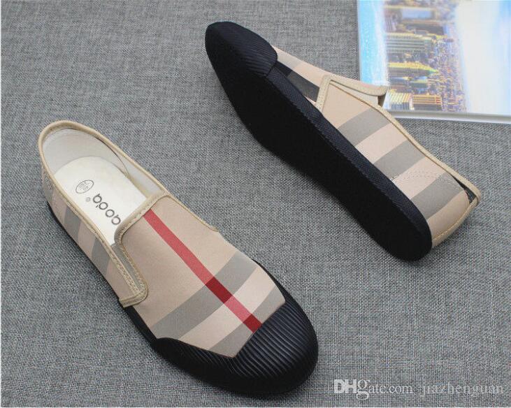 2018 Ventes chaudes Marque Noir et kaki chaussures en toile de luxe marque hommes mocassins noir toile cuir semelle intérieure casual chaussures hommes plat M579