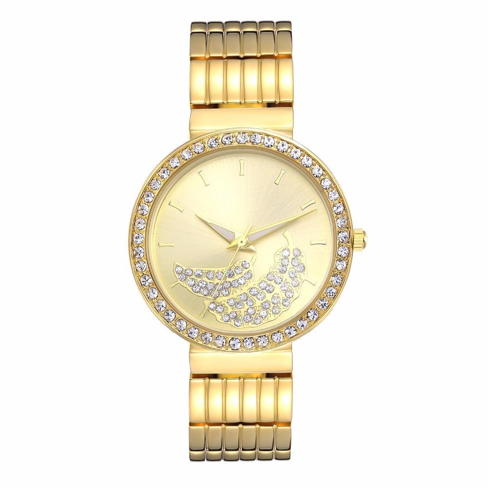 70b244f4349 Compre Moda Novo Design Mulheres Relógios 2019 Novos Produtos De Cristal  Pulseira De Relógio À Prova D  Água Relógio Das Senhoras Designer De Relógio  De ...
