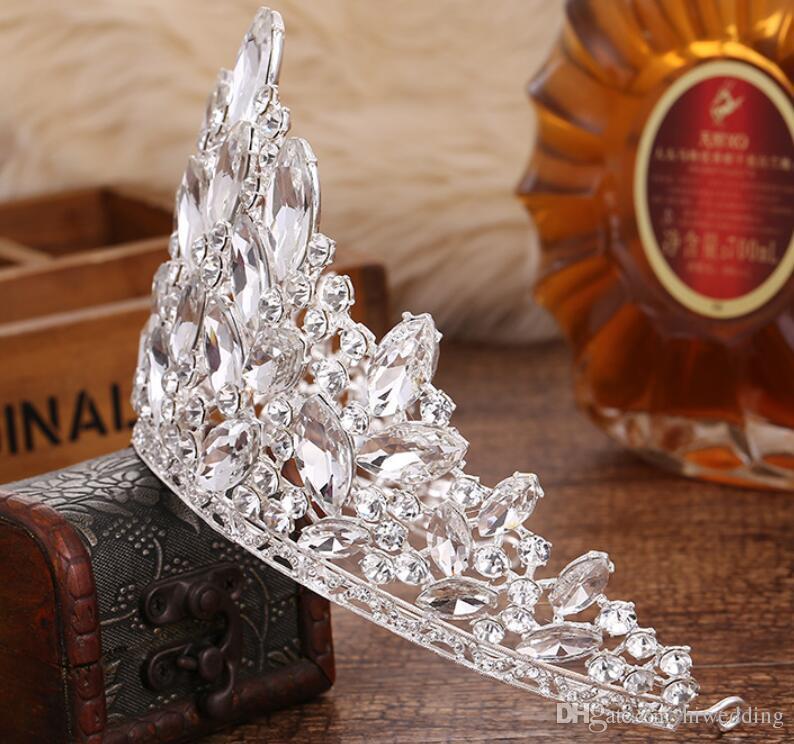 2018 Lüks Sparkle Yarışması Taçlar Rhinestones Düğün Gelin Taçlar Gelin Takı Tiaras Saç Aksesuarları parlak hizmetçi Parti Abiye C069