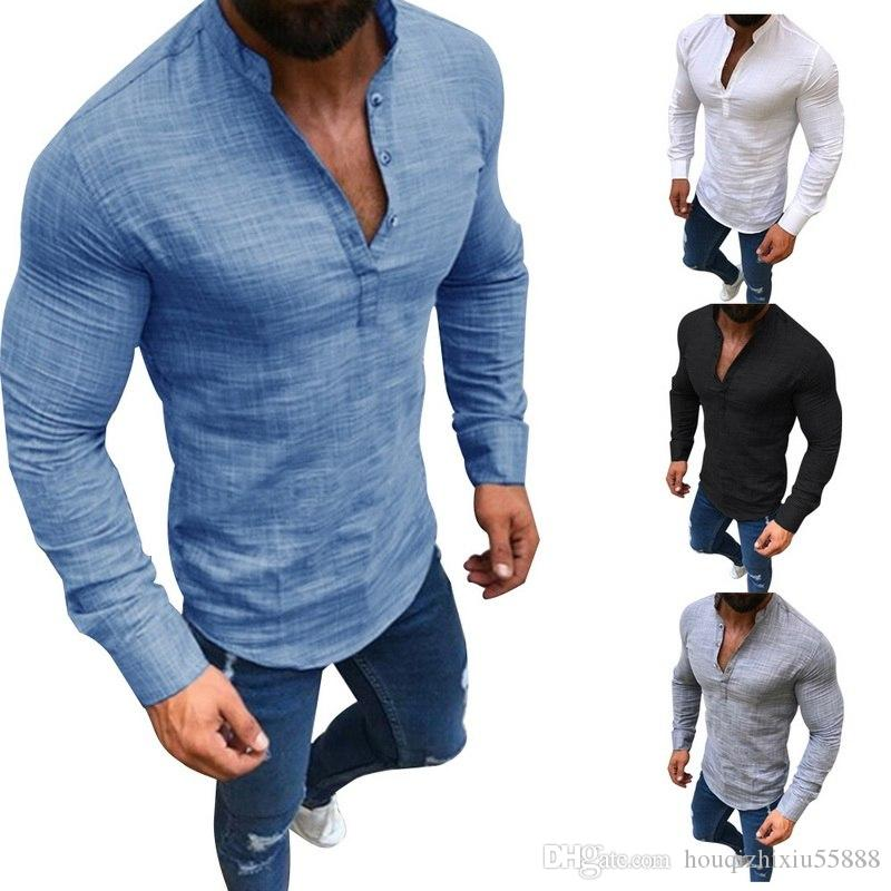 d93de792eed16 Compre Plus Size Homens Camisas Sociais Casuais Botão De Linho Dos Homens  De Roupas De Moda Sólida Manga Longa V Neck Slim Fit Camisas Masculinas De  ...