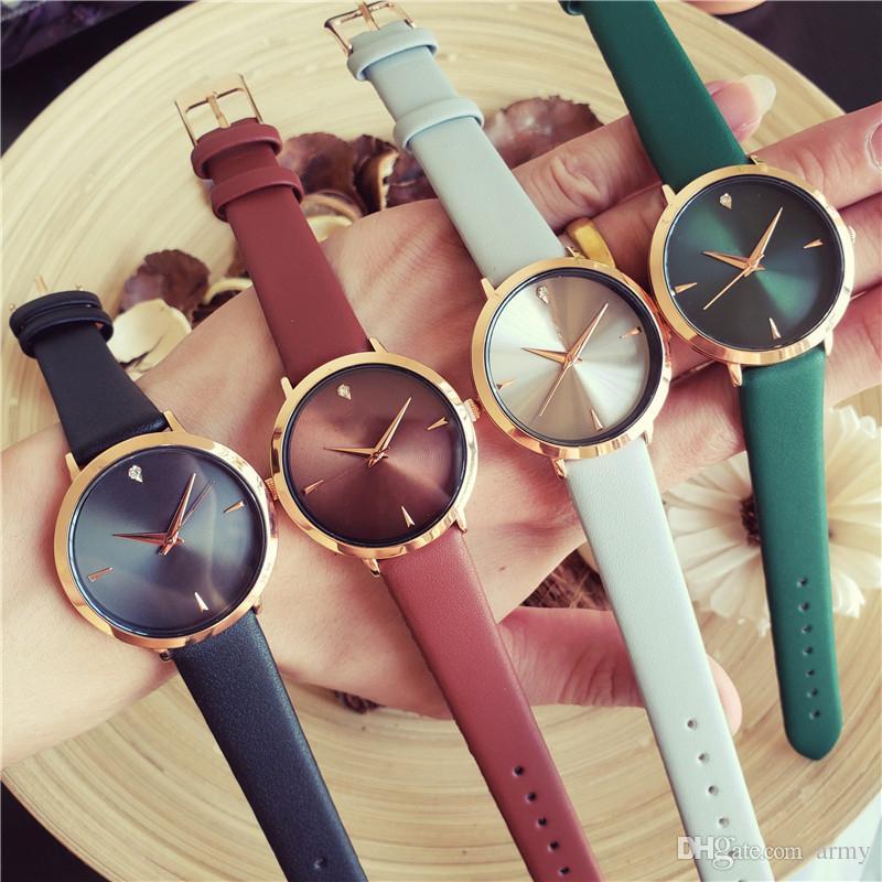 1cb643ca77c5 Compre Nueva Marca De Lujo Relojes De Mujer De Moda Reloj De Pulsera De  Cuero Marrón Redondo Dial Mujer Relogio Montre Femme A  6.71 Del Army