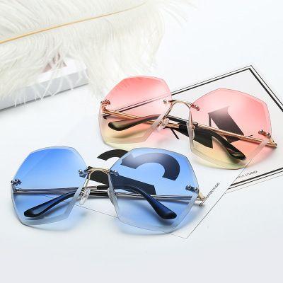 b69c151026e 2019 New Large Frame Trimming Sunglasses