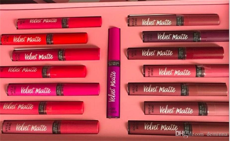 El maquillaje más nuevo establece el lápiz labial líquido es amar el brillo labial mate fijó la caja / Set el brillo labial con el bolso de papel DHL libera