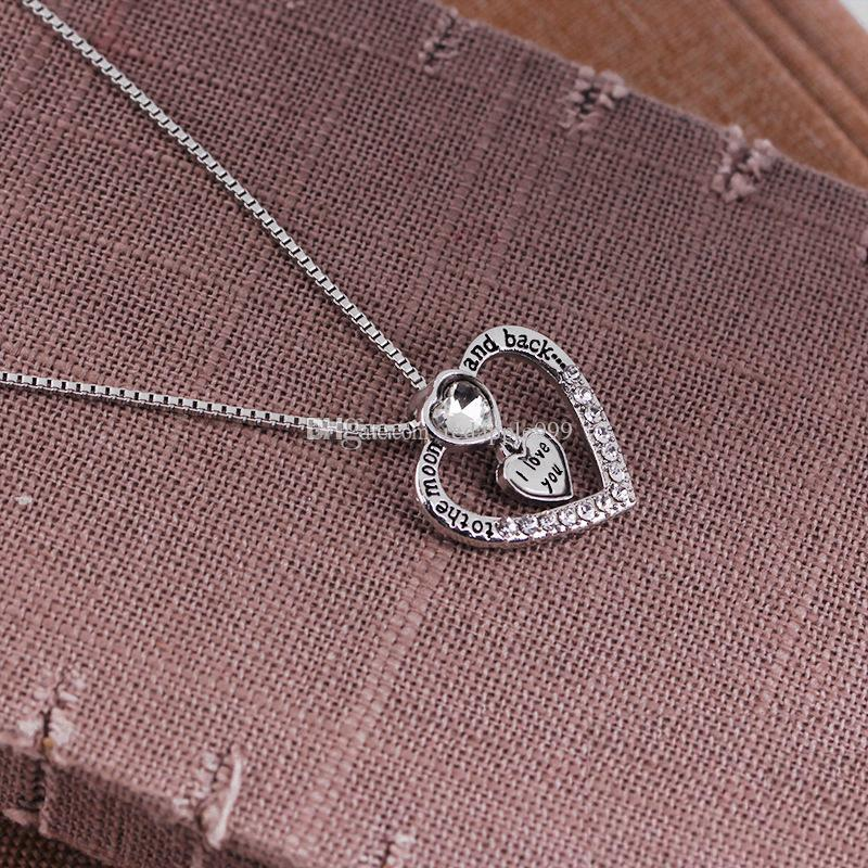 2018 New Arrival Heart Jewelry to the moon and back i love you Mom Pendant Necklace With Crystal Lovers Wholesale Fashion Jewelry