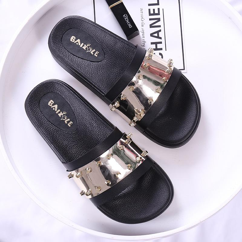 ce8d4f1313c332 Women Slides 2018 Fashion Slippers Platform Sandals Summer Bling Beach  Slides Flip Flops Comfortable Flat Shoes Chaussure Femme Western Boots  Discount Shoes ...