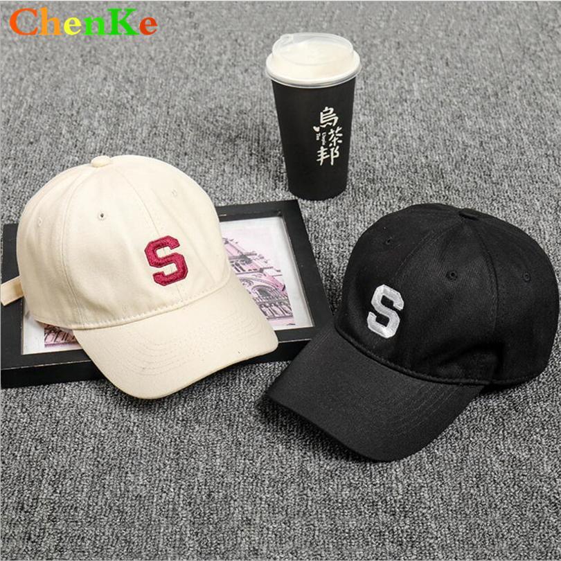 Compre ChenKe Algodón Bordado Letra S Gorra De Béisbol Caps Snapback  Mujeres Casquette Sombrero Sombrero Fitting Al Aire Libre Para Los Hombres  Sombreros ... d2450fa0f6d