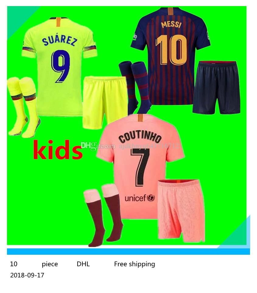 602d2f45a8 Compre Barcelona Kit De Fútbol Para Niños Jersey 18 19 TERCER Rosa Hogar  Lejos Verde Copa De 5 Palabras VIDAL Coutinho MESSI SUAREZ Niño Set 2018  2019 Niño ...