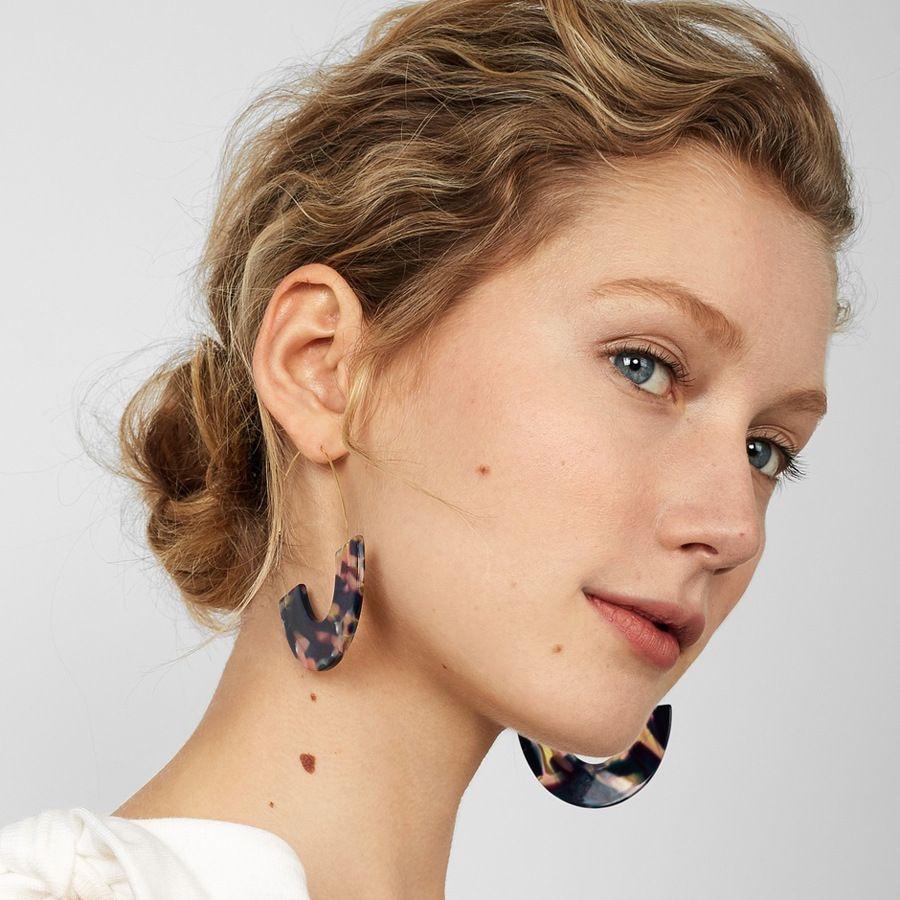 2019 Wing Yuk Tak Leopard Print Hoop Earrings 2018 Unique Design Fashion  Charm Jewelry Vintage Acrylic Earrings Women S From Zeipt 6b44a31137f6