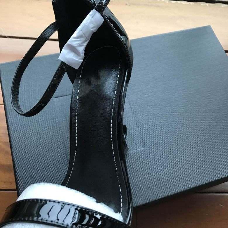 2018 designer femmes talons hauts party fashion rivets filles sexy chaussures pointues chaussures de danse chaussures de mariée chaussures à double bride sandales