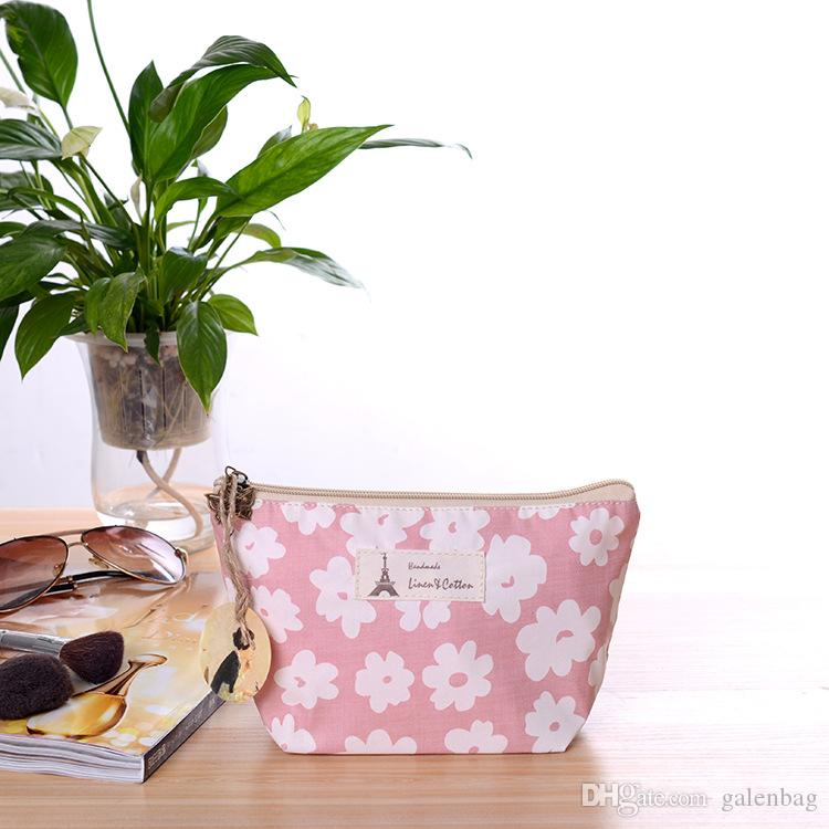 22 * 13 * 8cm 2018 floreale borse di tela di cotone floreale Sacchetto di frizione squisito, practicazipper trucco bag le ragazze