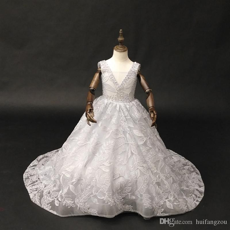 Fairy Flower Girl Dresses Delicate Floral Applique Pure White Tulle Princess Pageant Gowns High Collar Long Sleeves First Communion Dress