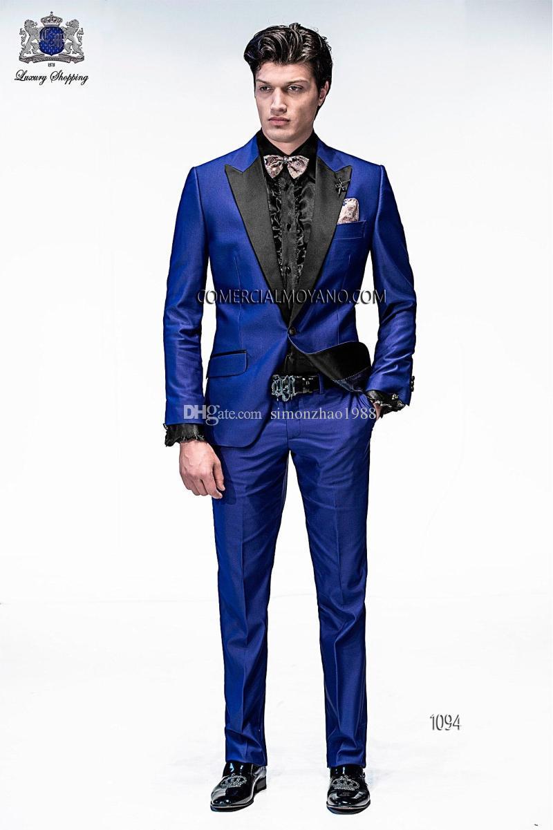 Compre 2018 Trajes Italianos Para Hombre Con Pantalones Azul Real Satinado  Esmoquin De La Boda Enarbolado Solapa Del Novio Delgado Esmoquin Hombres  Trajes ... 2df3def761f