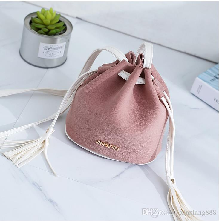 2018 New fashion bucket shape drawstring female shoulder bags Tassel crossbody bags