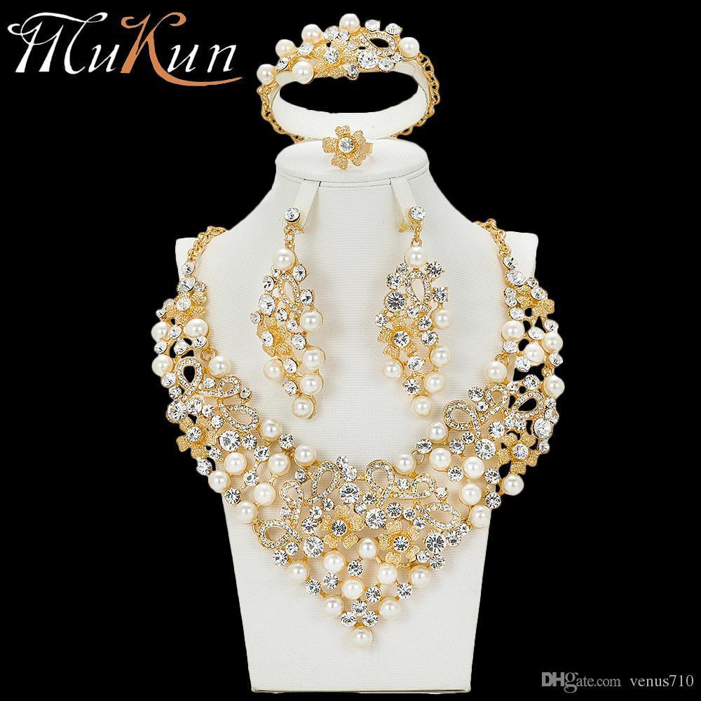 ab8956894cfd Compre MuKun Moda Africana Perlas Conjuntos De Joyas Para Las Mujeres  Nupcial De La Boda Conjuntos De Joyas De Oro De Dubai Diseñadores De Joyas  De Lujo De ...