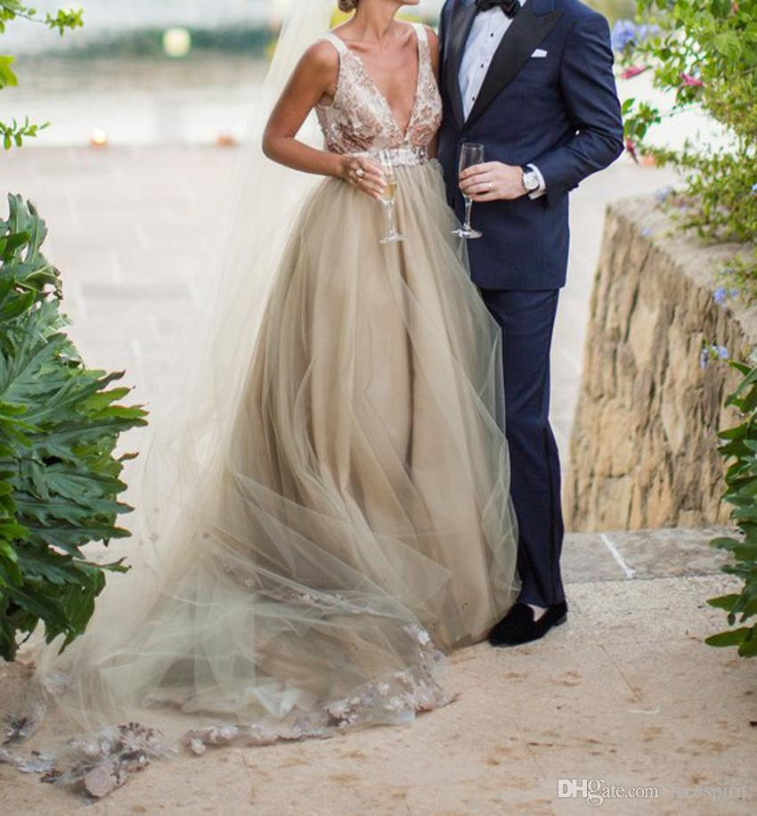 Champagne Wedding Dress Tulle Skirt Deep V-Neck with Lace Vintage Country Style Backless Bride Gown Sexy with Long Veil