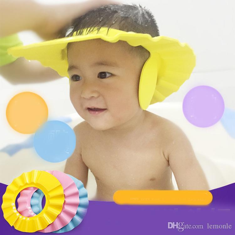Compre Gorro Ajustable De La Ducha Del Bebé Champú Lavar El Pelo Escudo Baby  Shower Escudo Sombrero Visor Directo Gorras Cuidado Del Bebé Niños Cabeza  De ... b9f852ec3b7
