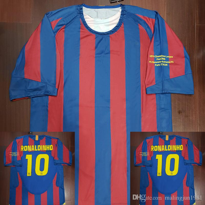 d8ceee6436 Compre Barcelona Barca 2006 Ronaldinho Retro Camisa De Futebol Camisa De  Futebol Clássico MAGLIA Maillot 06 Ronaldinho Vintage Camiseta De Futebol  Camisa De ...