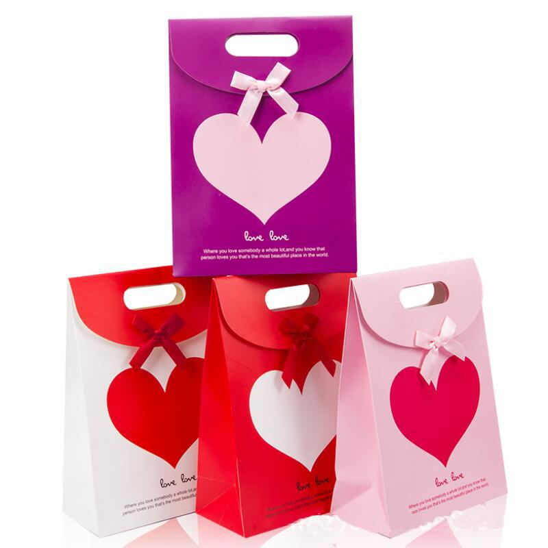 10 Pcs/lot Red Wedding Gift Paper Bag Engagement Valentine's Day Love Flip Gift Paper Bag Wedding Candy Bag