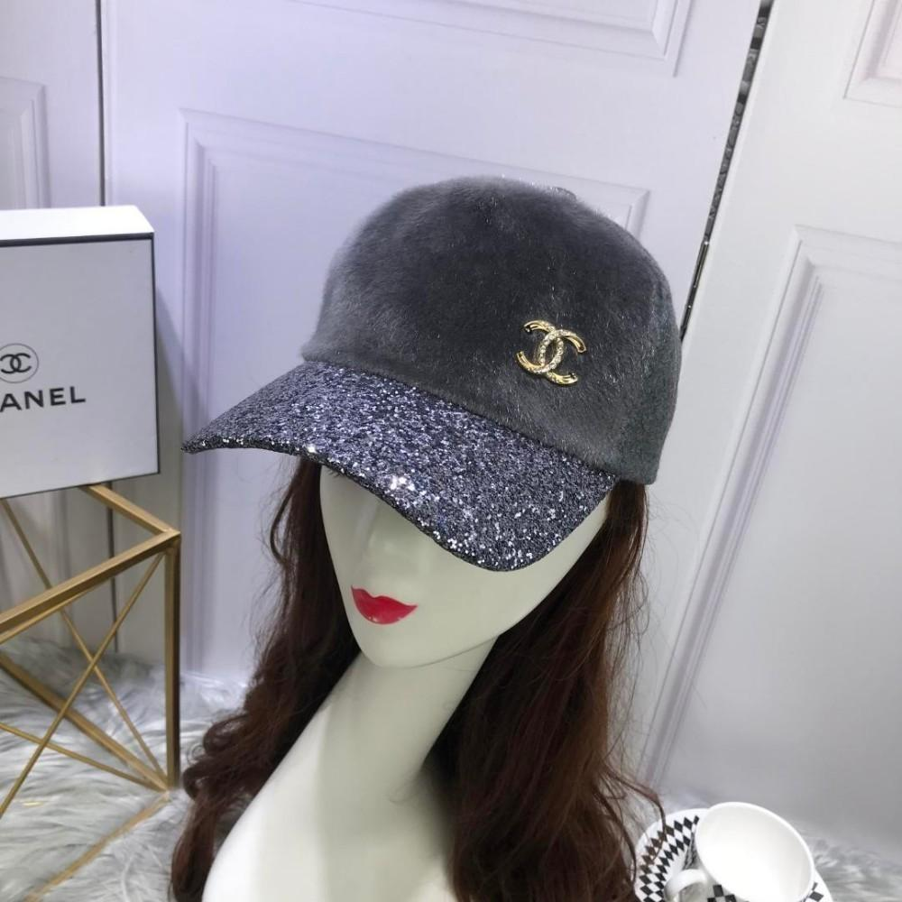 2019 High End Women Men Cap Ladies Hats Counter Horsehair Cap Cashmere With  Sequined Cap With Box From Henan68 44259d4e065
