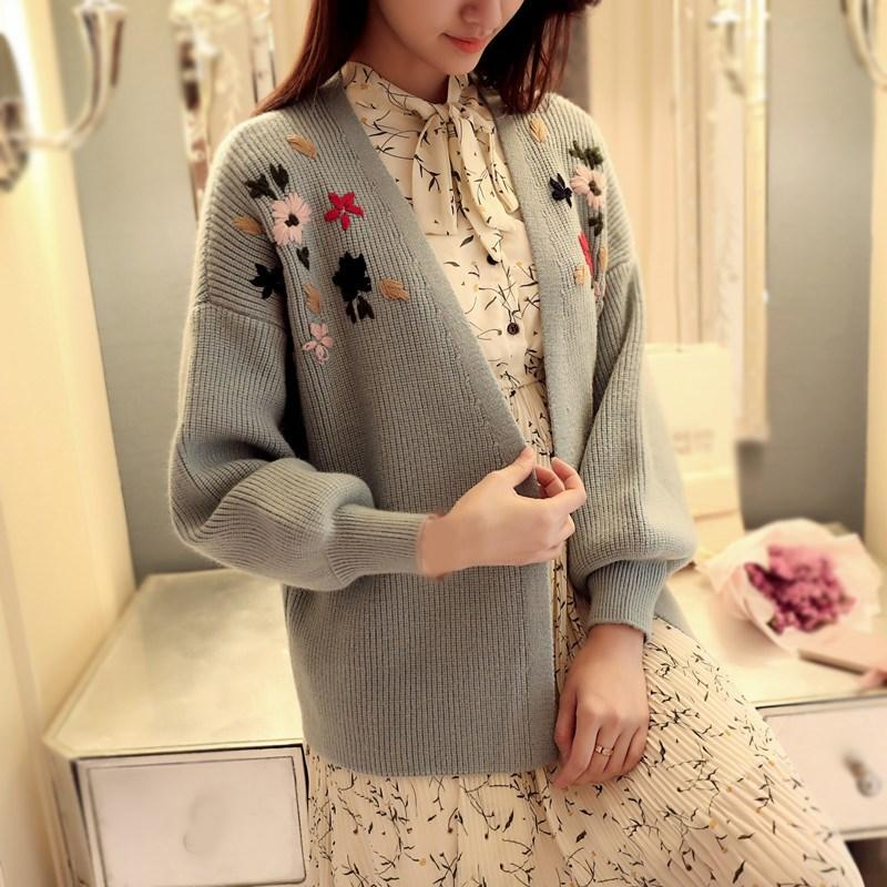 2018 Autumn Women Embroidery Sweater Lantern Sleeve Flower Knitted Sweater Casual Long Sleeve Cardigan Coat