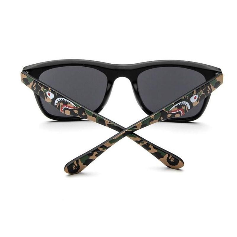 b40153349 Compre Homens Quadrados Polarizados Óculos De Sol Da Marca Polarizada  Óculos Homens Preto Fresco Óculos De Sol De Viagem De Alta Qualidade Óculos  Graffiti ...