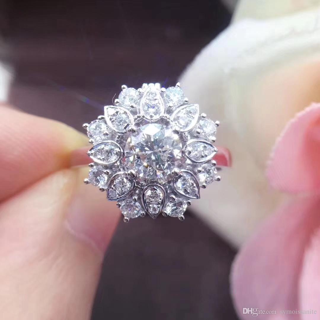 Au750 1Ct Full Setting Lab. Moissanite Diamond Ring Flower Shape ... 777c0ab3b
