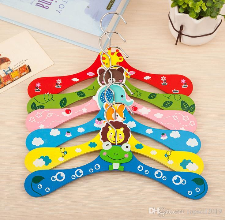 Free shipping 300pcs New Cute Cartoon Animals Wooden Kids Clothes Hanger Baby Children Hanger 6 Styles SN637