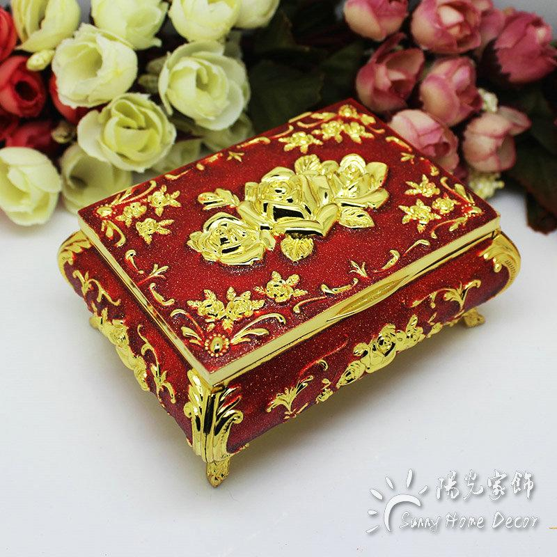 New! Fashion Jewelry / Ring Box Small Size Vintage Flower Carved Gold with Red Color Trinkets Casket Luxury Gift Box
