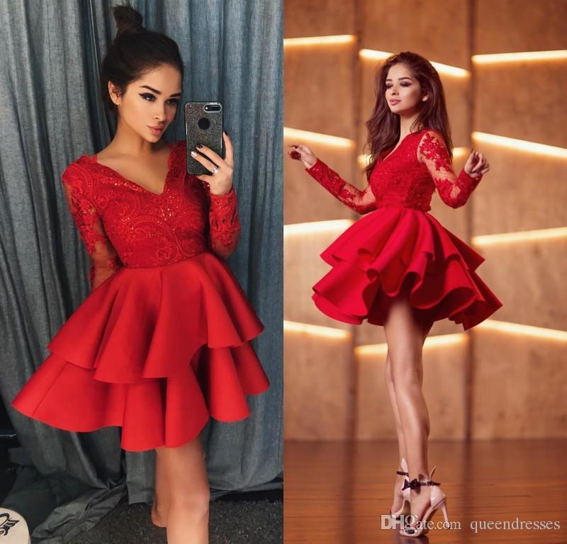 aba43a11b34 Satın Al Tasarımcı Kırmızı Kısa Kokteyl Parti Elbiseler Uzun Kollu Dantel V  Boyun Bir Çizgi Saten Mini Abiye Örgün Özel Durum Mezuniyet Elbiseleri