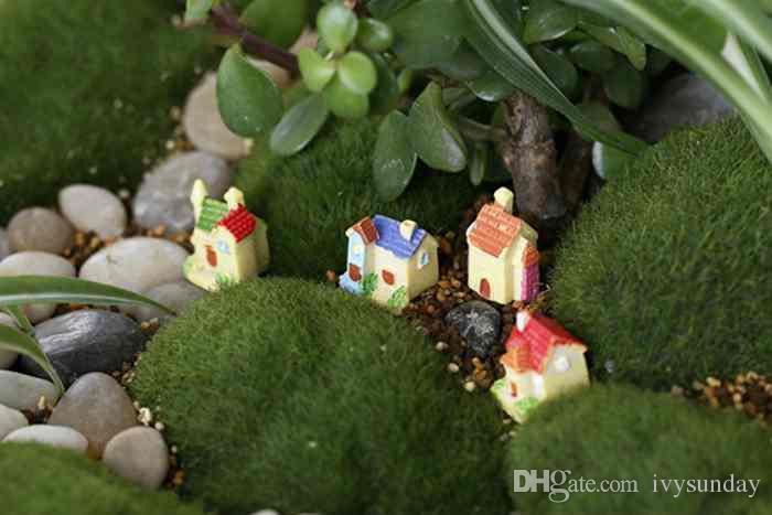 Resina creativa Decoración Mini Villa de Dibujos Animados Pequeña Casa Modelo Moss Terrario Micro Paisaje Planta Verde Olla Accesorios Jardín de Hadas DIY Zakka