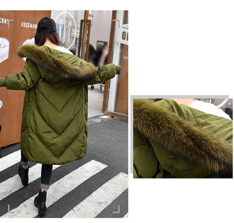 2017 Mujeres de Invierno abajo abrigos Gran Cuello de Piel de Mapache Real 90% Largo Abajo Chaqueta Cálida Moda Tallas grandes parkas Outwear QXQ053