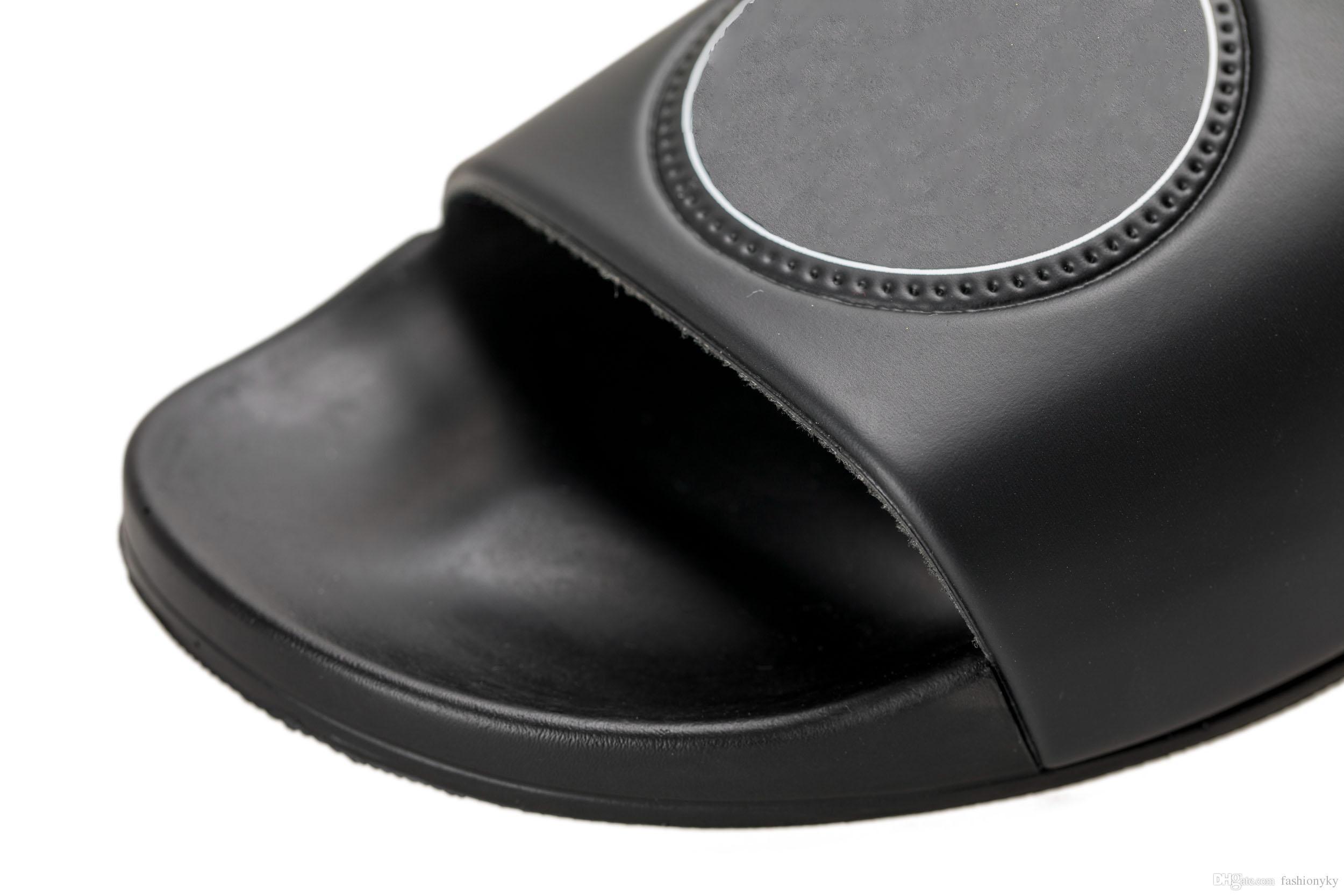 c7c278f3a1b New product hot brand Men Beach Slide Sandals Medusa Scuffs 2018 Slippers  Mens Beach Fashion slip-on designer sandals
